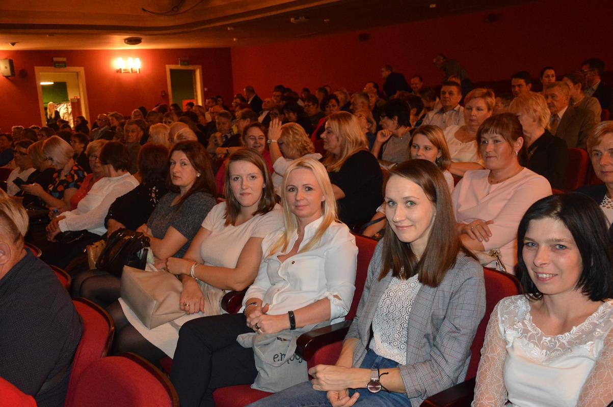 Ilustracja do informacji: Wyjazd Integracyjny do teatru w Olsztynie