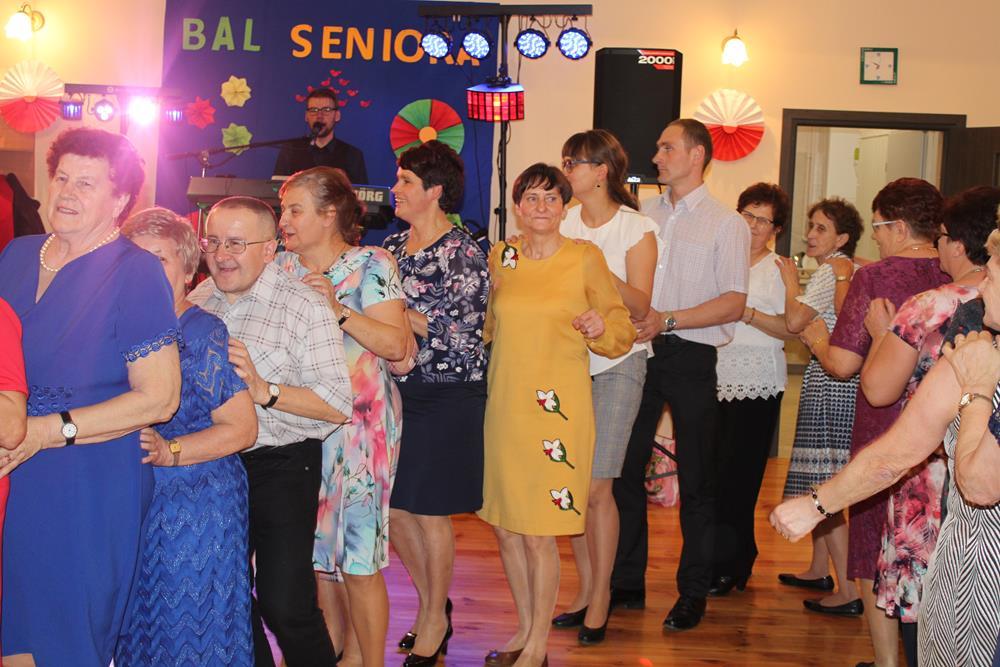 """Ilustracja do informacji: """"Biesiada seniora"""" w Klubie """"Senior+"""" w Złotowie"""