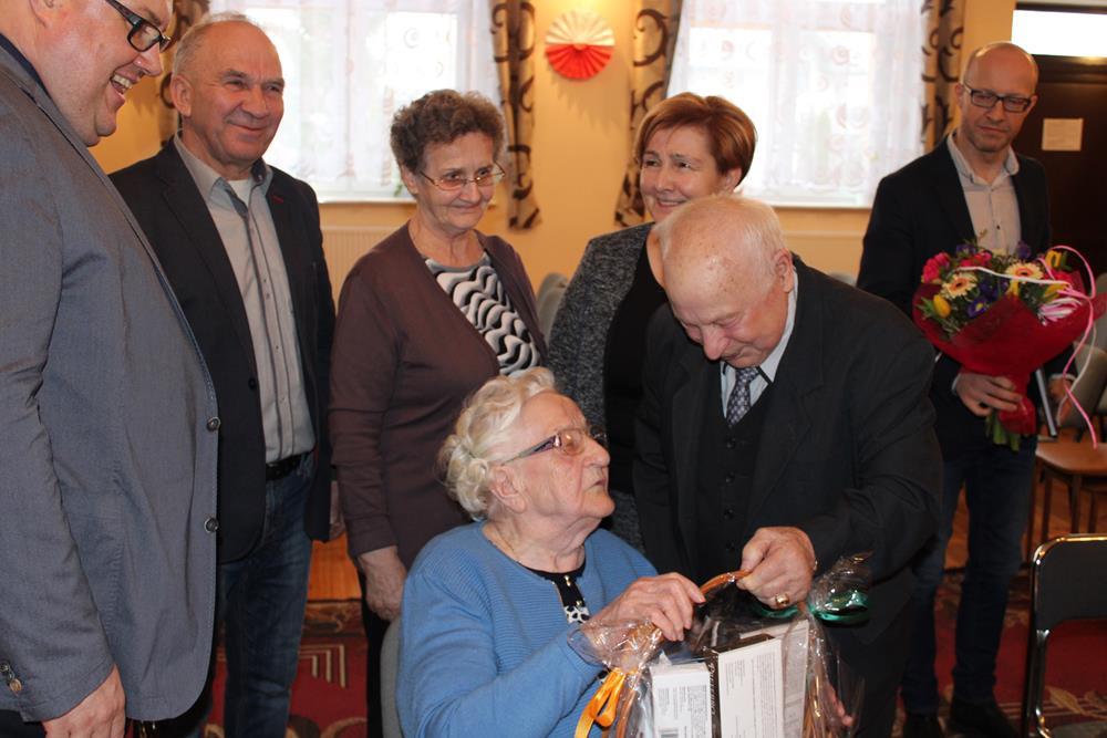 Ilustracja do informacji: 99 urodziny najstarszej mieszkanki Złotowa