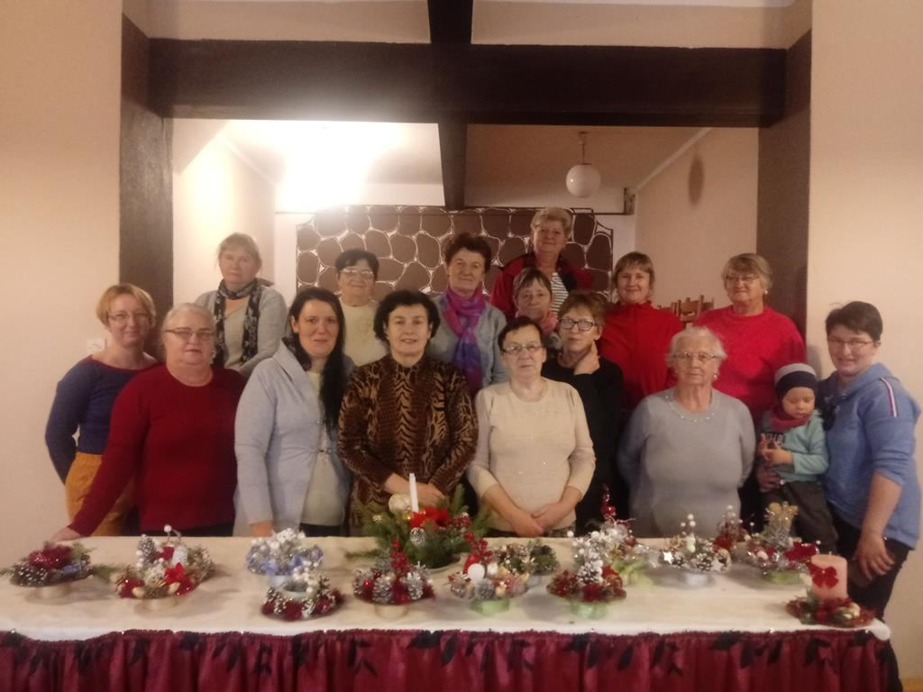 Ilustracja do informacji: Stroiki świąteczne w Gutowie
