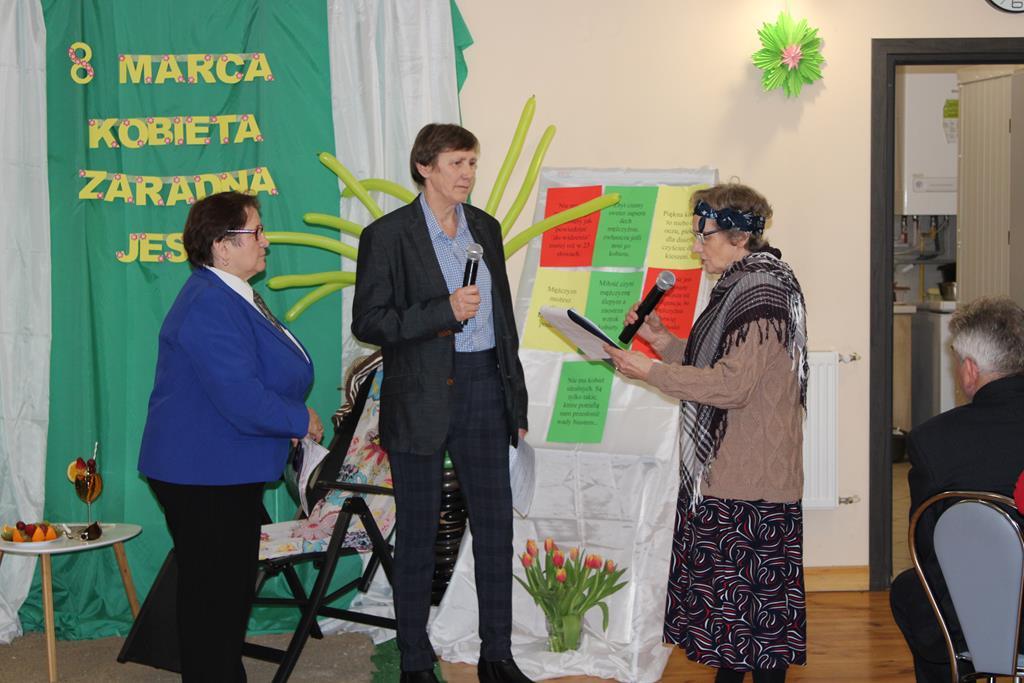 """Ilustracja do informacji: Dzień Kobiet w Klubie """"Senior+"""" w Złotowie"""